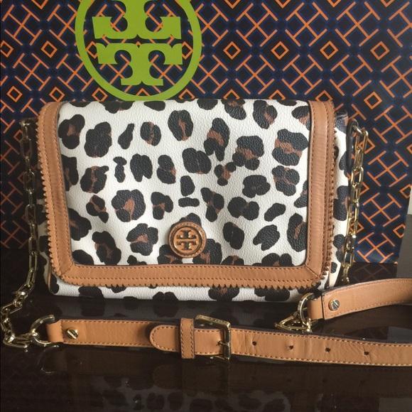 c859d6edfec Tory Burch Kerrington Leopard Print Crossbody Bag.  M 5b301c1ed6dc52990f6618c3